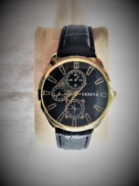 Geneva Armbandsur Herr Dia 4 cm Urtavla Svart .Läderband Nyskick