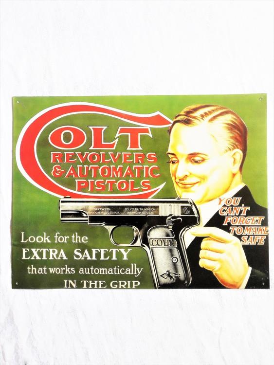 Plåtskylt Colt Revolvers 41 x 31 cm 1991 bra skick.