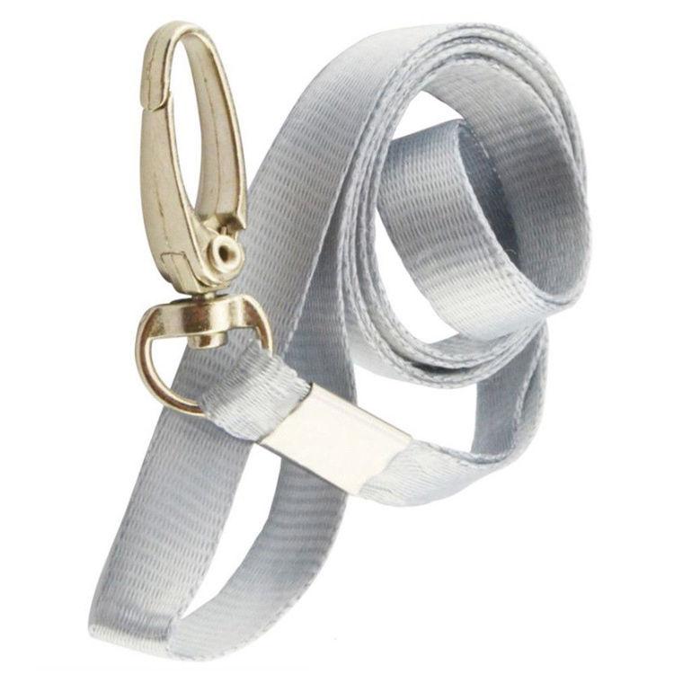 Grått nyckelband med tryckkrok + Plastficka lodrätt.Klubbar, tävlingar mm