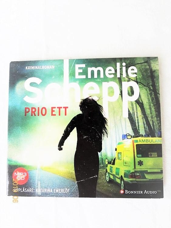 "Emelie Schepp "" Prio Ett ""mycket bra skick begagnad."