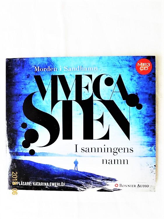 """Viveca Sten """"I Sanningens Namn"""" mycket bra skick begagnad."""
