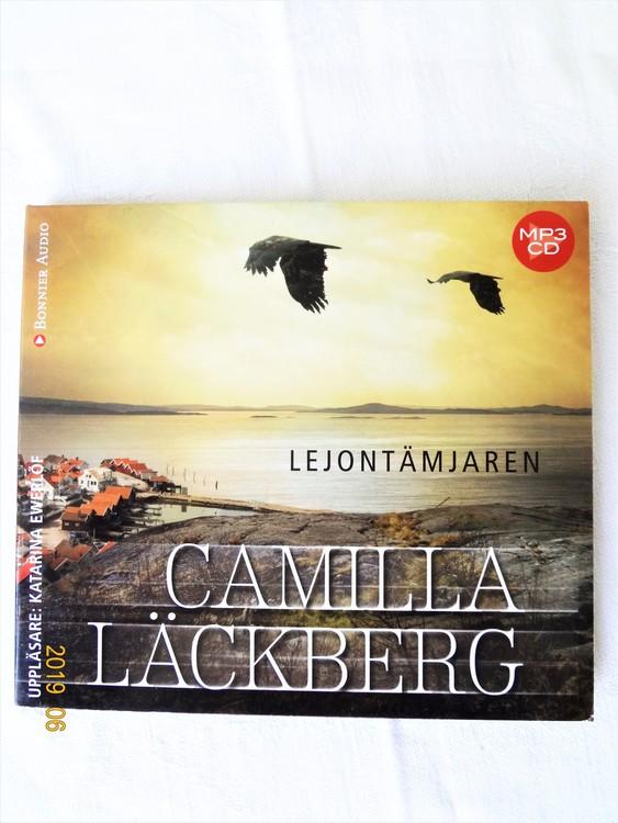 """Camilla Läckberg """"Lejontämjaren"""" mycket bra skick begagnad."""