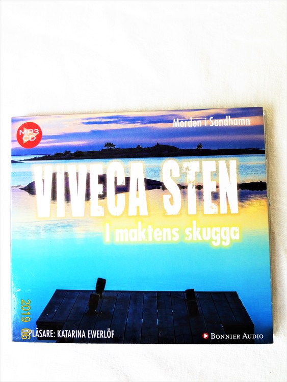 """Viveca Sten """"Morden i Sandhamn"""" mycket bra skick begagnad."""