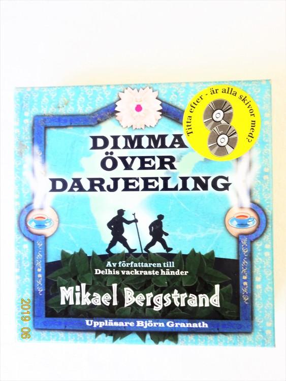 """Mikael Bergstrand """"Dimma över Darjeeling"""" mycket bra skick begagnad."""