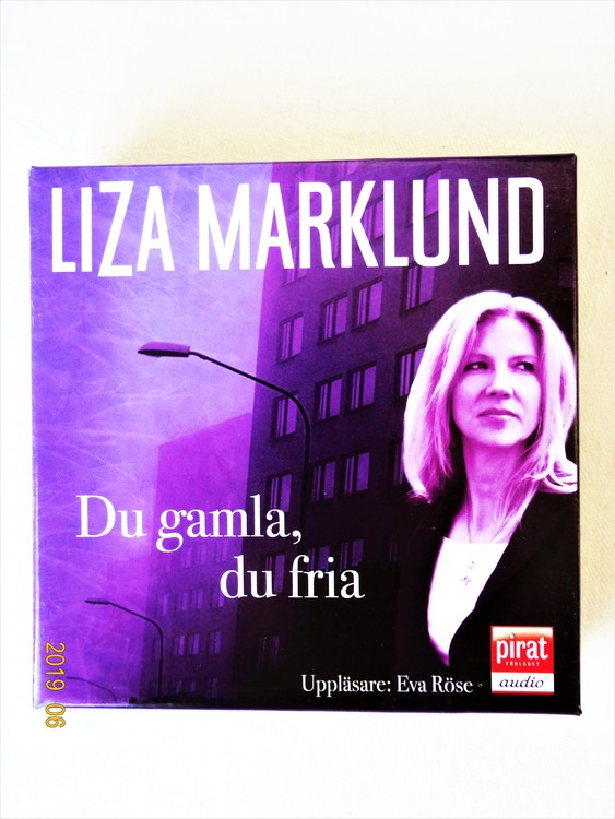 "Lisa Marklund ""Du Gamla,Du Fria"" mycket bra skick begagnad."
