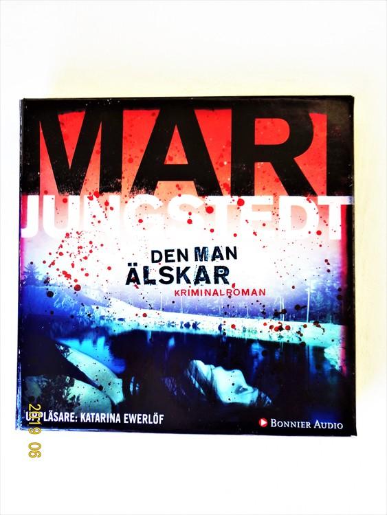 """Mari Jungstedt """"Den Man Älskar"""" mycket bra skick begagnad."""