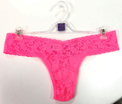 Signature Lace Low Rise Thong Sizzle Pink - Hanky Panky
