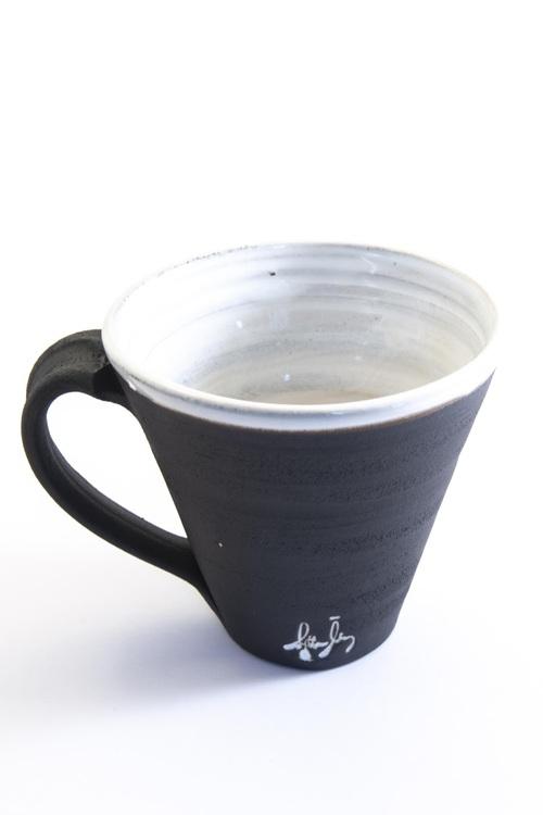 Kaffekopp svart lera