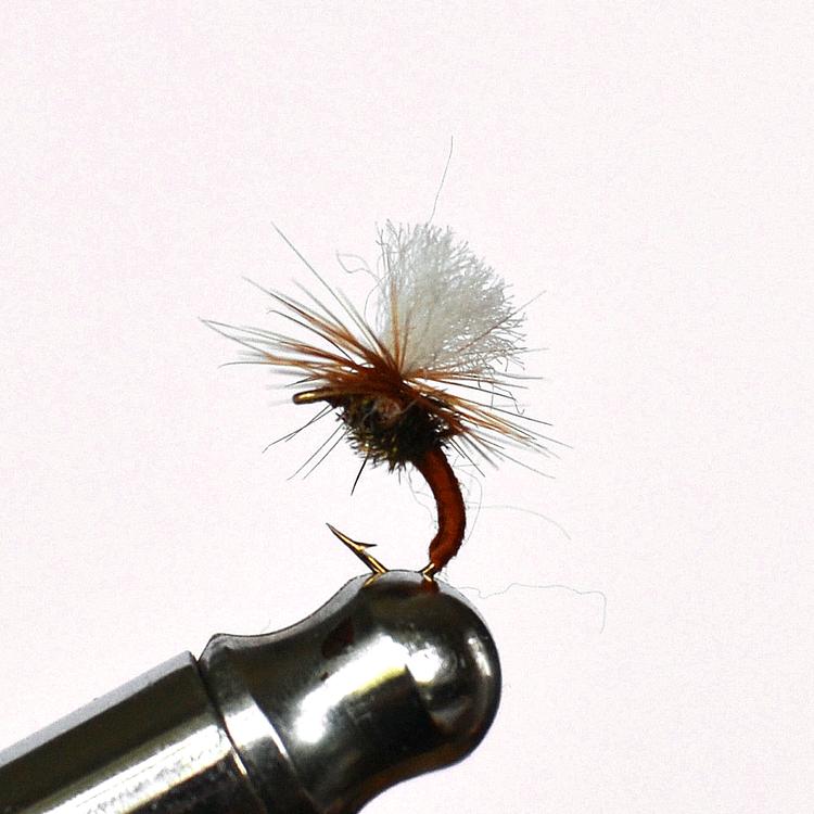 Klinkhammer Brown torr fluga