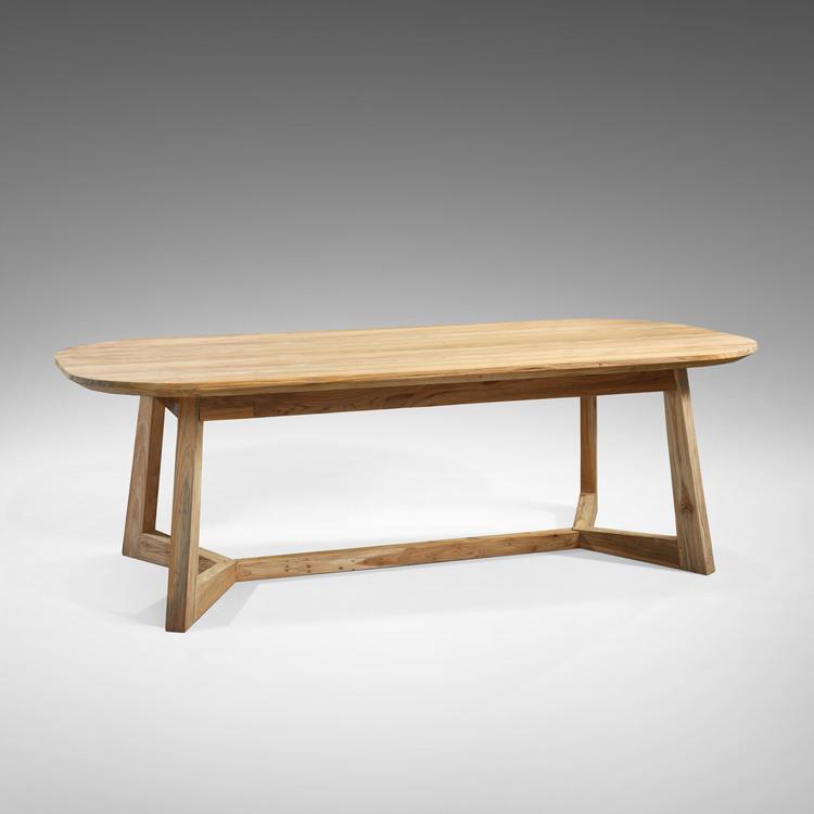 Ovalt matbord av teak