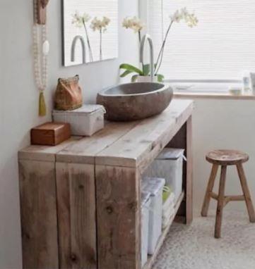 Badrumsvask med handfat av sten