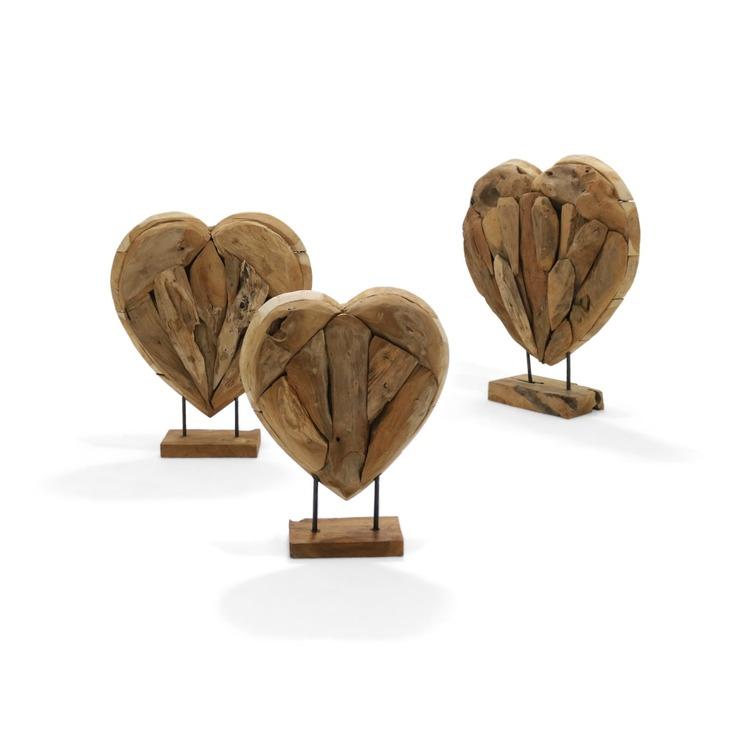3 stycken trähjärtan för dekoration