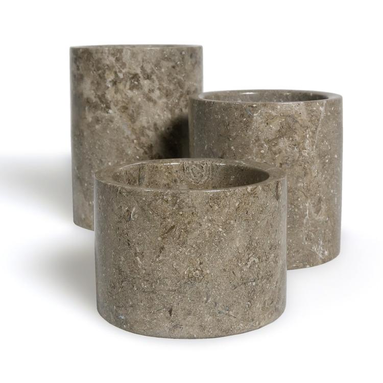 Krukor av marmor