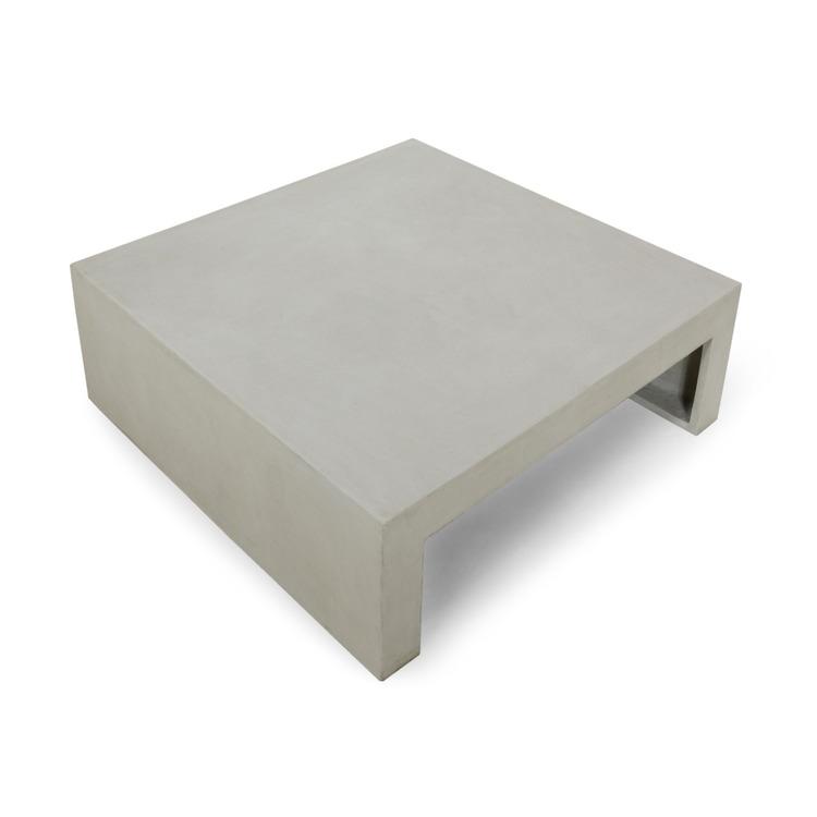 Kvadratiskt soffbord av betong sett uppifrån