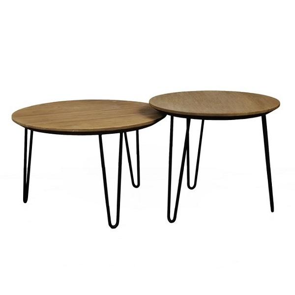 Två runda soffbord av teak och metall