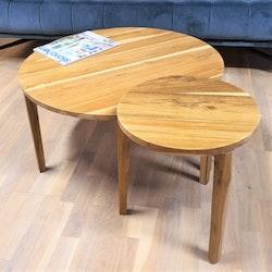 Set med två runda soffbord av teak