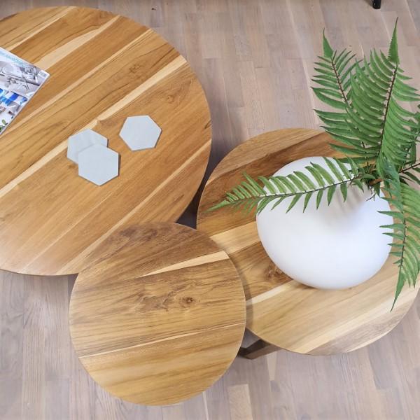 tre bord av trä sedda uppifrån
