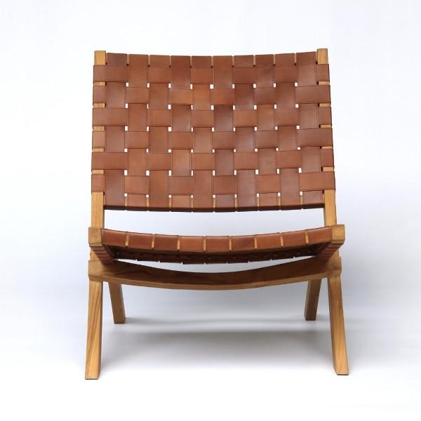 Loungestol av trä och läder