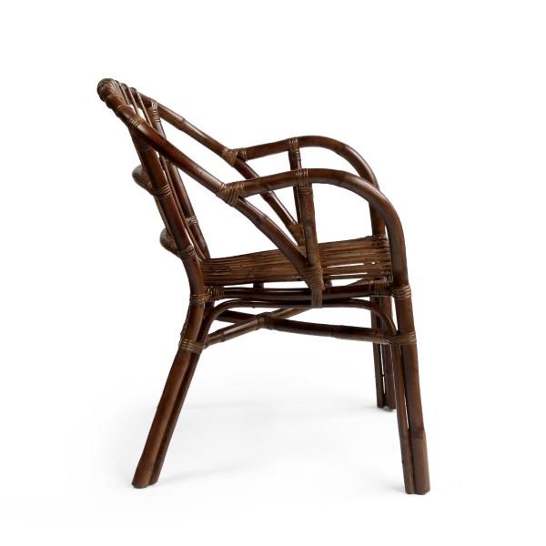 Mörk rottingstol med armstöd