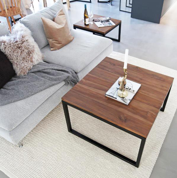rustik soffbord med svarta ben designbord