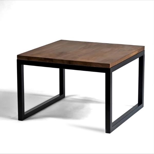 bord i trä med svarta ben