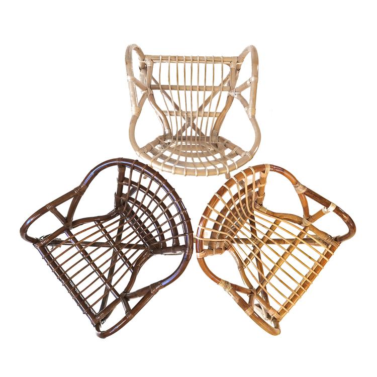 Estelle rottingstol i 3 olika nyanser