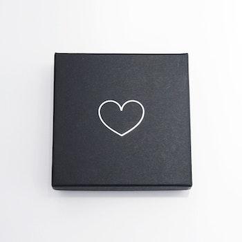 "Presentask ""Heart"" svart/silver 86x86x26 mm"