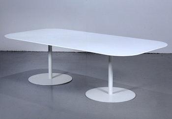 Bord, Gubi Table 2.0 - Specialbeställt med Corian