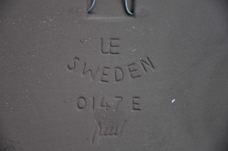 Väggplatta, Upsala Ekeby 0147 E Ester Wallin. 27,5 cm x 21 cm