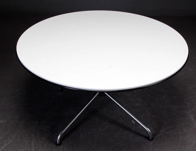 Runt matbord, Vico Magistretti för Fritz Hansen 130 cm