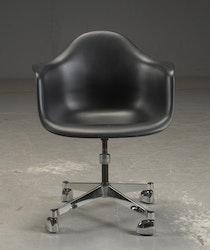 Skrivbordsstol, Vitra PACC - Charles & Ray Eames
