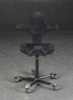 Skrivbordsstol, HÅG Capisco 8106 med Sadelsits