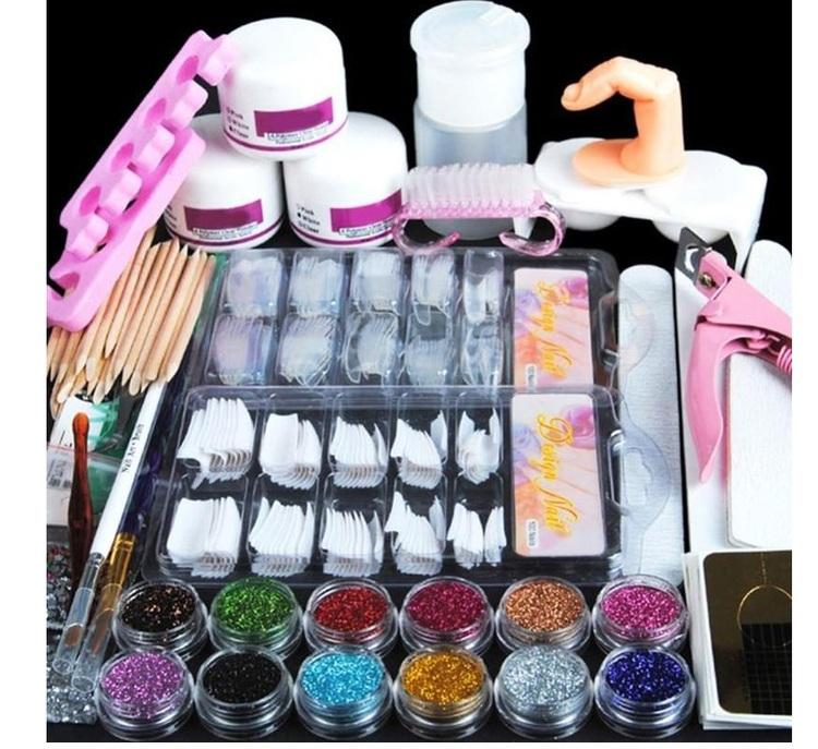 Nagel set med 12 färger och olika verktyg