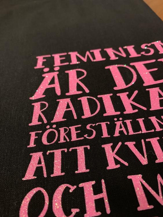 Tygkasse - feminism är den...