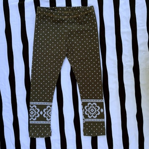 98/104 Grå Stickat Leggings