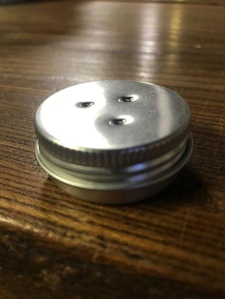 Burk med magnet