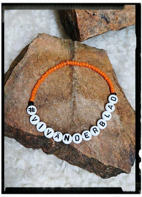 #vivänderblad, armband med oranga glaspärlor,