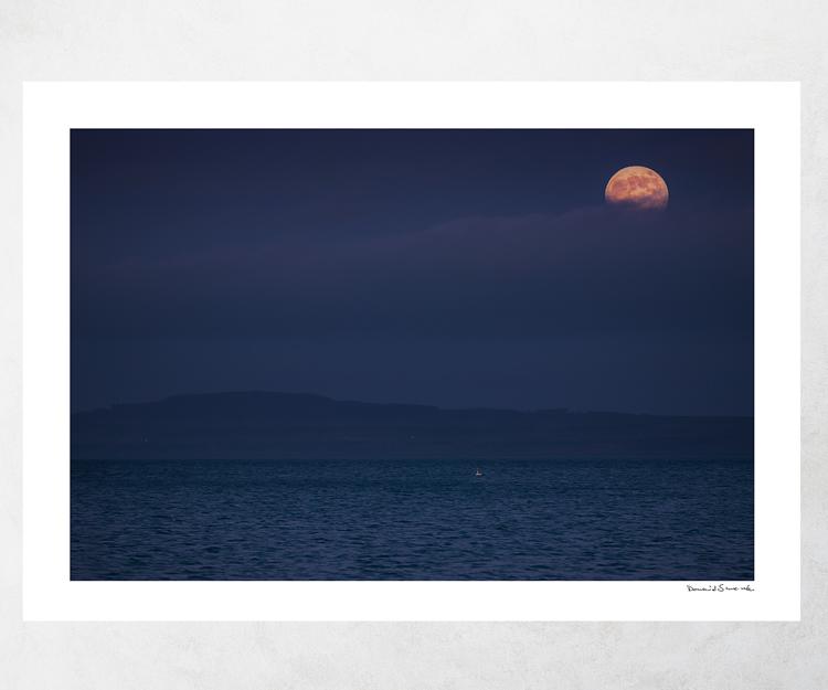 Supermåne över Kinnekulle