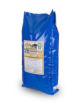 15 kg SENIOR/LIGHT 19/7 vetefritt med glukosamin, för äldre eller överviktiga hundar