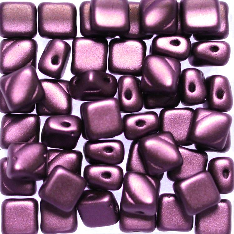 Alabaster Pastel Bordeaux Silky Beads 50st