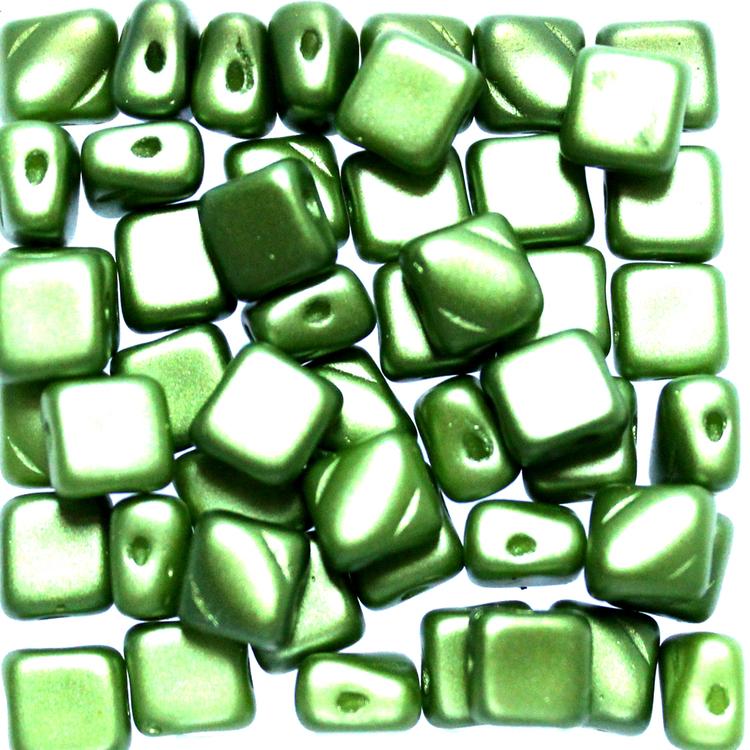 Alabaster Pastel Olivine Silky Beads 50st