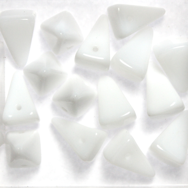 Alabaster Pyramid Spikes 10g