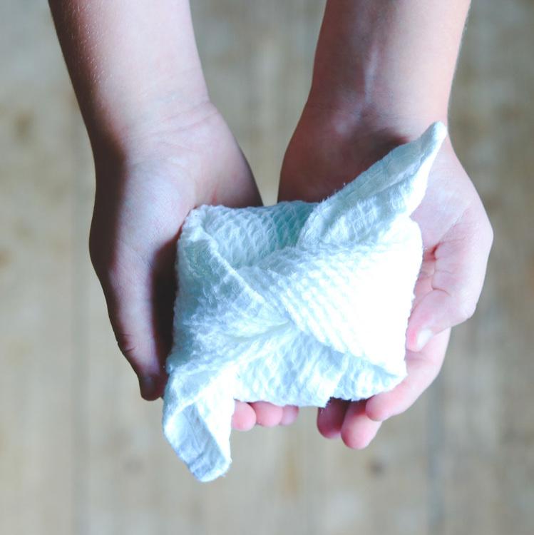 Handgjord organisk tvål Green Clay Lemongrass och handduk