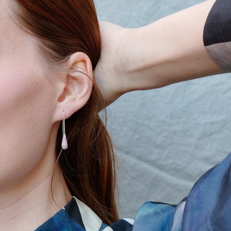 SINGLE DROP - Handgjorda örhängen i återvunnet silver