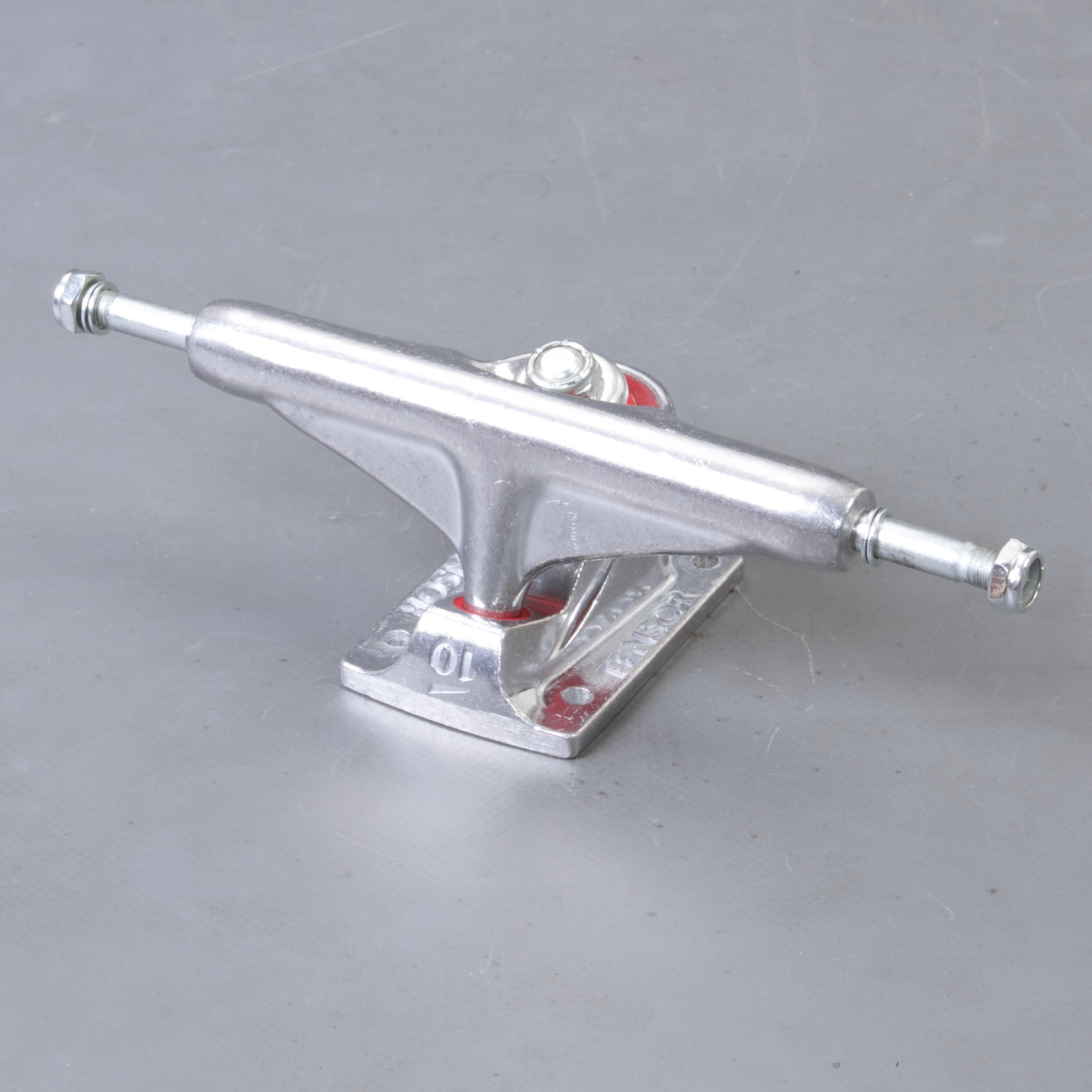 "Tensor TEN Alum Raw 5.0"" skateboard truckar"