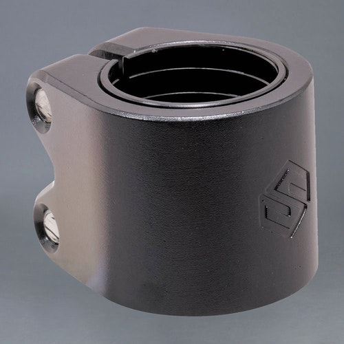 Striker Lux Black Double Clamp