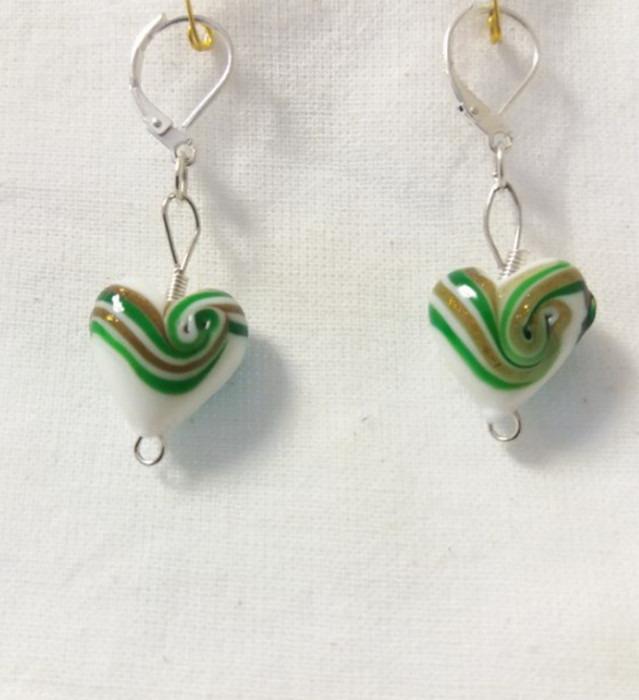 Lampwork glas gnistrande hjärtat gröna örhänge