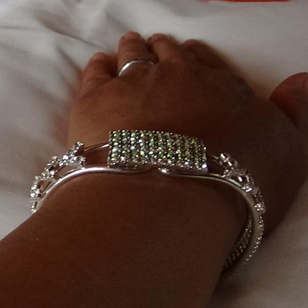Gröna zirconia stenar quadrangular armband