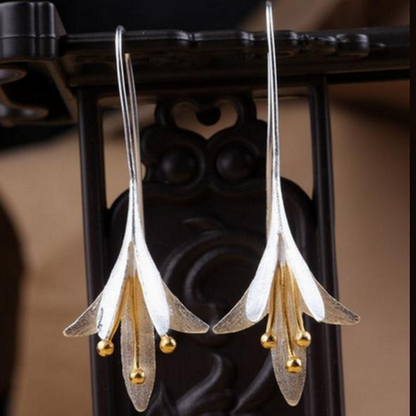 Kaprifol Blom Silver Örhänge