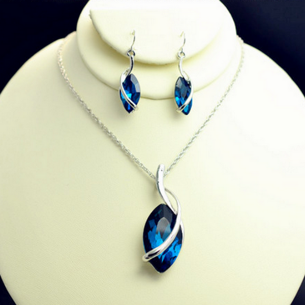 Mysterium Blåa Kristaller Halsband Set